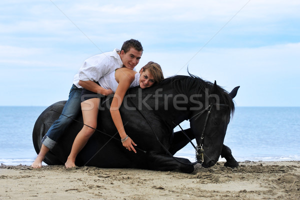 Paar paard strand mooie zwarte hengst Stockfoto © cynoclub
