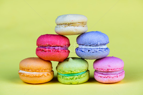 Délicieux groupe fraîches sweet macarons isolé Photo stock © cypher0x