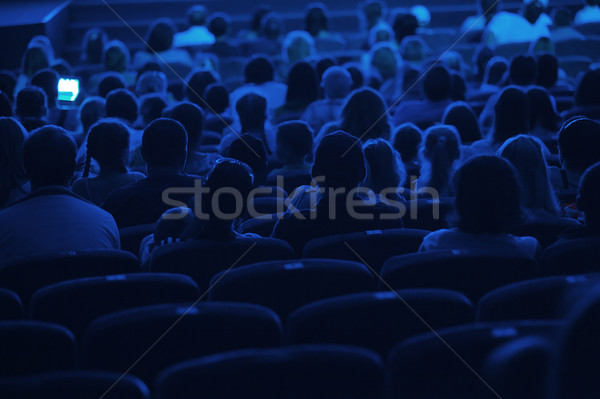 Audiencia cine silueta tiro atrás azul Foto stock © d13