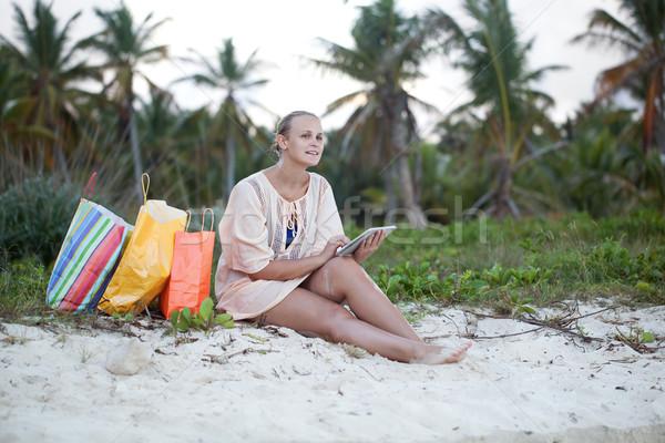 女性 リラックス ビーチ ショッピング 小さな 笑顔の女性 ストックフォト © d13