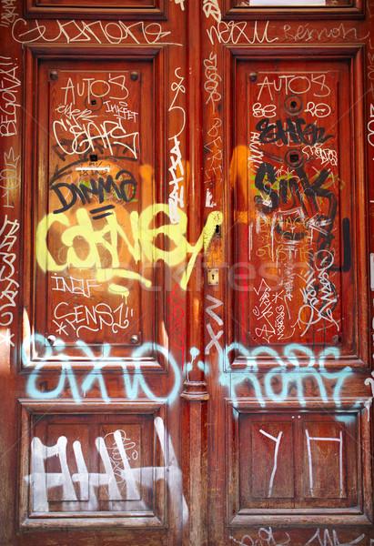 Ajtó graffiti street art Tallinn városi piros Stock fotó © d13