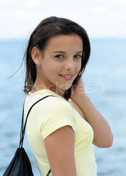 Retrato hermosa sonriendo morena nina mochila Foto stock © d13
