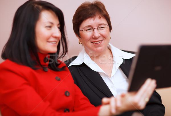 Twee vrouwen twee professionele business Stockfoto © d13