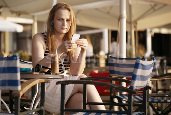 Donna sms mobile rilassante Foto d'archivio © d13