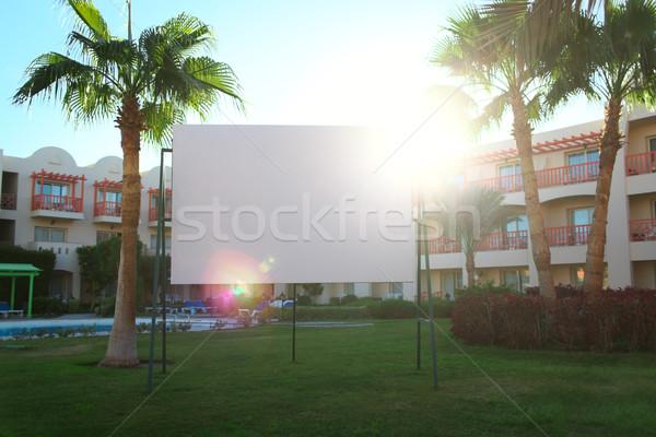 Güneş parlama arkasında kentsel ilan panosu Stok fotoğraf © d13