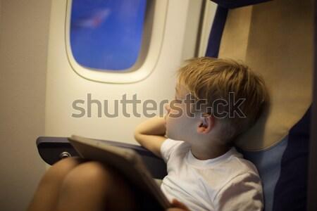 Weinig jongen vlucht shot Stockfoto © d13