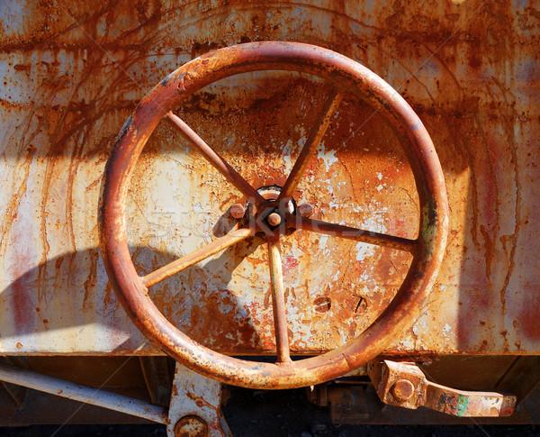 Velho enferrujado válvula trem industrial água Foto stock © daboost