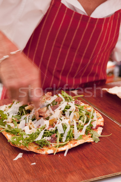 Pizza homme fromages alimentaire main Photo stock © danienel