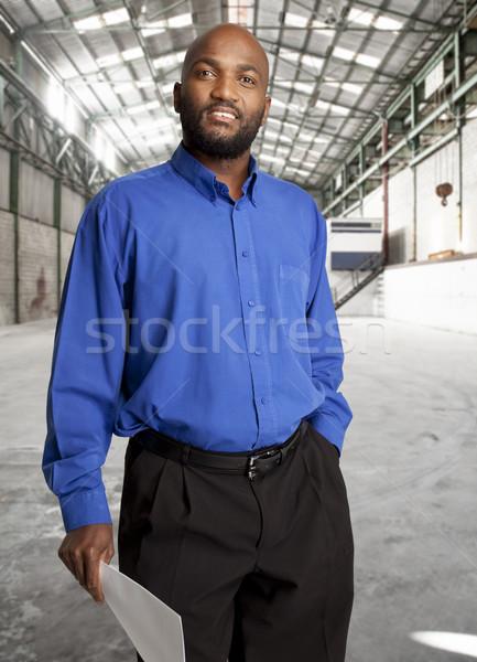 Commerciaux agent immobilier africaine affaires ouvrir entrepôt Photo stock © danienel