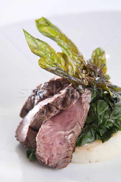 Boeuf filet basilic pansement cuit Photo stock © danienel
