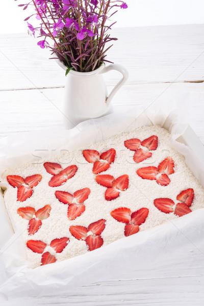 Hindistan cevizi strawberry cheesecake gıda meyve kek restoran Stok fotoğraf © Dar1930