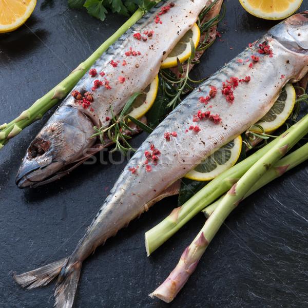 makrele with green asparagus Stock photo © Dar1930