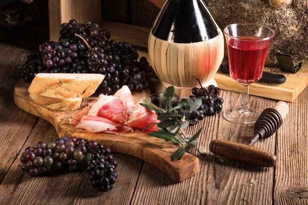 Vino prosciutto vidrio mesa pan rojo Foto stock © Dar1930