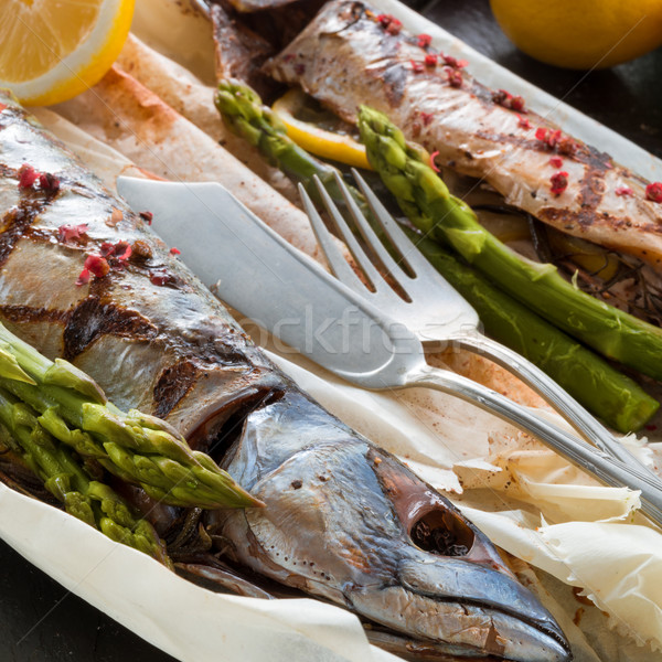 Foto d'archivio: Alla · griglia · sgombri · asparagi · pesce · ristorante · verde