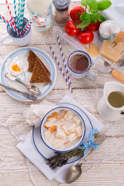 Tradicionalmente pão peças quente leite café Foto stock © Dar1930
