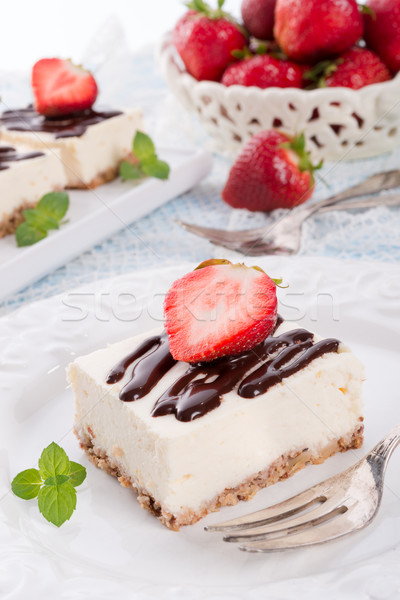 Foto d'archivio: Fragola · cioccolato · cheesecake · alimentare · torta · blu