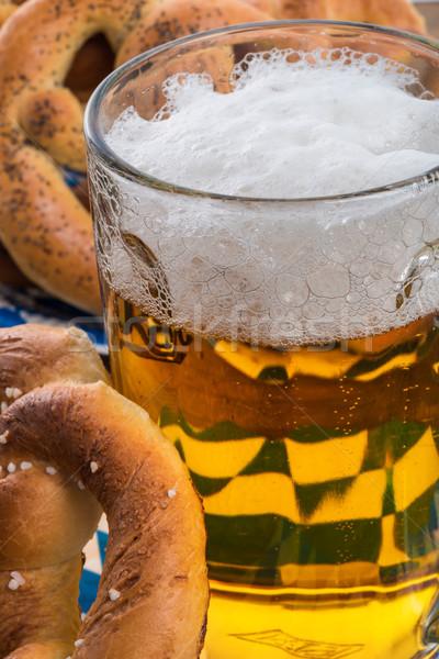 Ev yapımı tuzlu kraker bira ışık cam bar Stok fotoğraf © Dar1930
