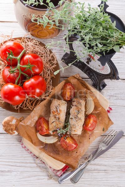Pechuga de pollo espinacas tomates hierbas alimentos Foto stock © Dar1930