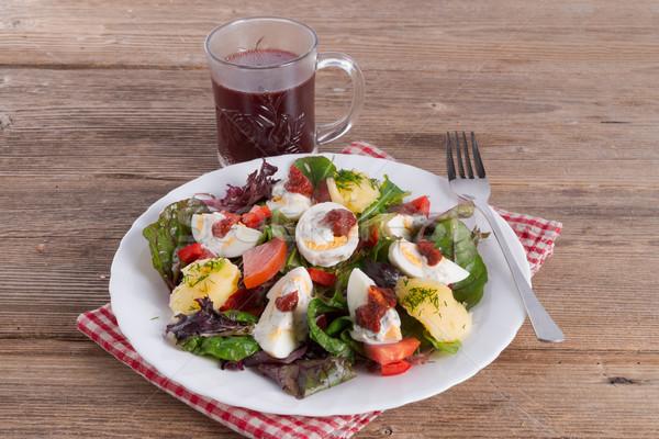 Salat gekochtes Ei Essen Holz Fisch Licht Stock foto © Dar1930
