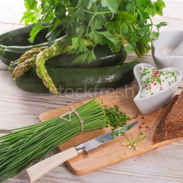 Café da manhã cebolinha primavera comida pão queijo Foto stock © Dar1930