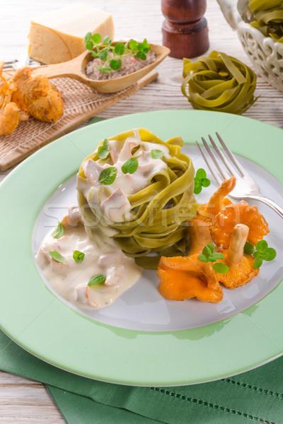 Tagliatelle étel levél háttér zöld sajt Stock fotó © Dar1930