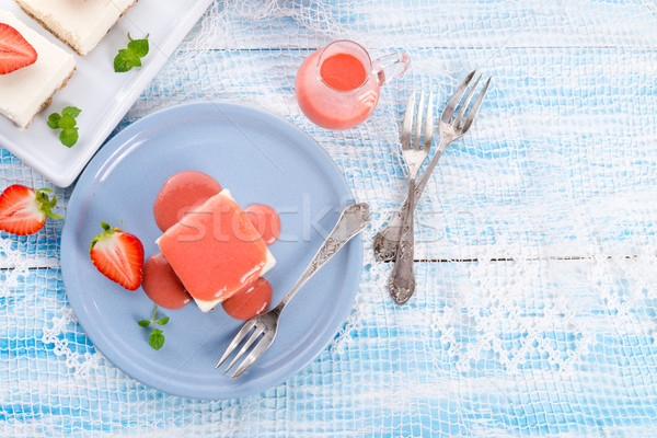 Sernik truskawki sos żywności liści owoców Zdjęcia stock © Dar1930
