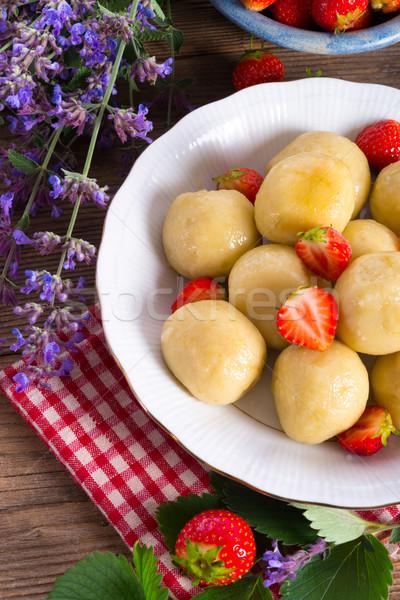 Morangos comida fruto verão jantar morango Foto stock © Dar1930