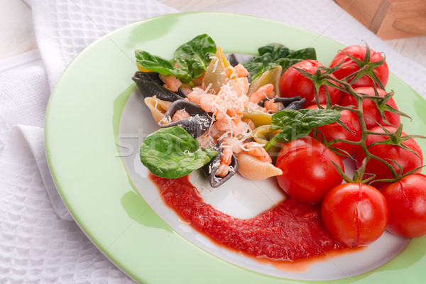 Stock photo: Conchiglie with North Sea shrimps and spinach