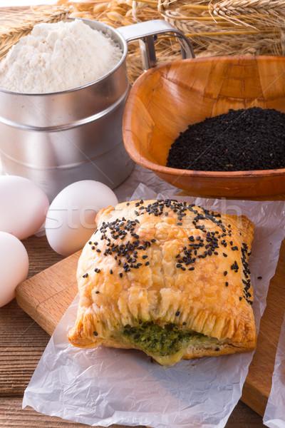 Gebak spinazie vulling zwarte komijn voedsel Stockfoto © Dar1930