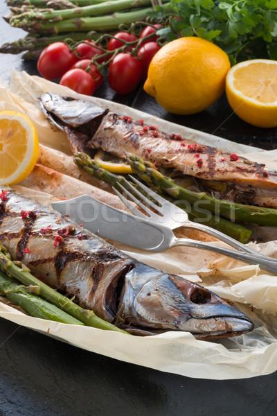 Foto stock: Grelhado · cavala · espargos · peixe · restaurante · verde