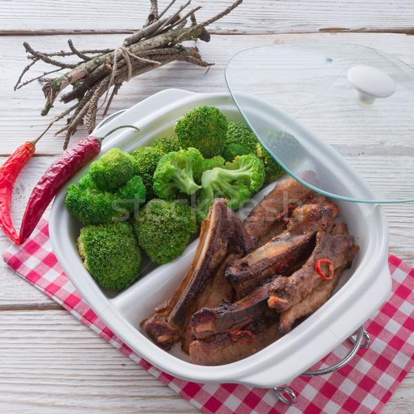 A la parrilla costilla brócoli restaurante verde placa Foto stock © Dar1930