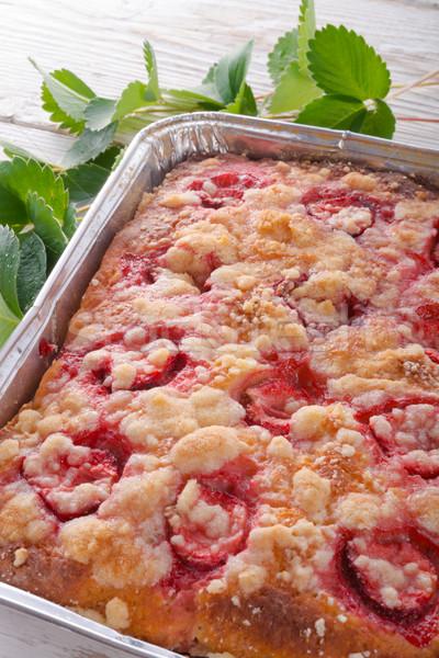 Morango bolo fundo vermelho prato cozinhar Foto stock © Dar1930