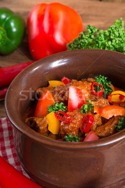 Húngaro madeira vidro jantar vermelho carne Foto stock © Dar1930