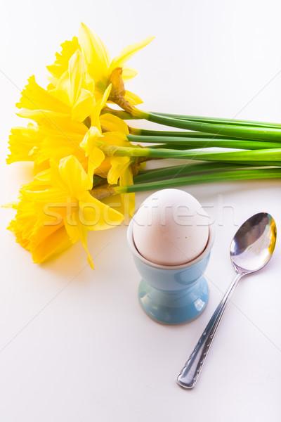 エッグカップ 卵 朝食 食べる スプーン 黄色 ストックフォト © Dar1930