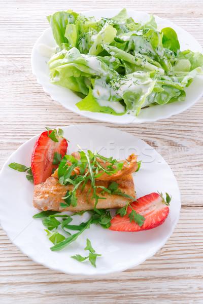 Balık çilek gıda restoran plaka Stok fotoğraf © Dar1930