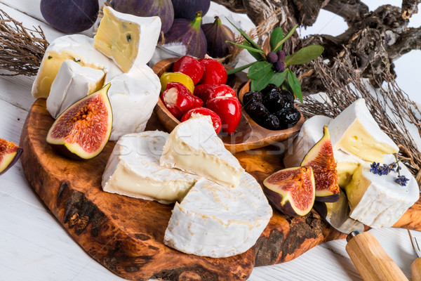 Suave queso antipasti hoja verde rojo Foto stock © Dar1930