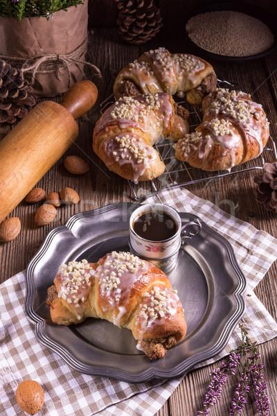 Croissants tabela branco almoço fresco semente Foto stock © Dar1930