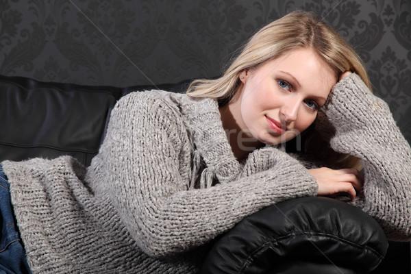 Сток-фото: красивой · молодые · серый · свитер · черный