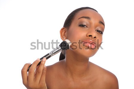 Belle africaine composent poudre brosse impeccable Photo stock © darrinhenry