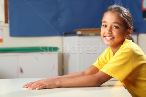 Gelukkig glimlachend schoolmeisje 10 armen uit Stockfoto © darrinhenry