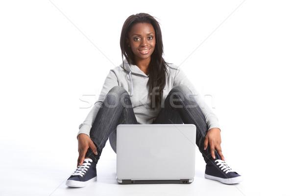 Jovem africano americano estudante menina computador belo Foto stock © darrinhenry