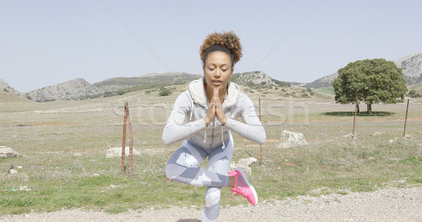Nő meditál természet fiatal nő visel sport Stock fotó © dash