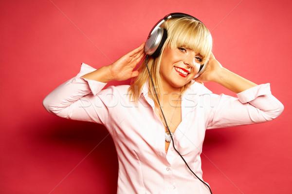 прослушивании музыку молодые красивой счастливым женщины Сток-фото © dash