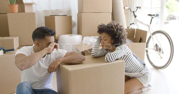 Kimerült pár elvesz törik csomagol háztartás Stock fotó © dash