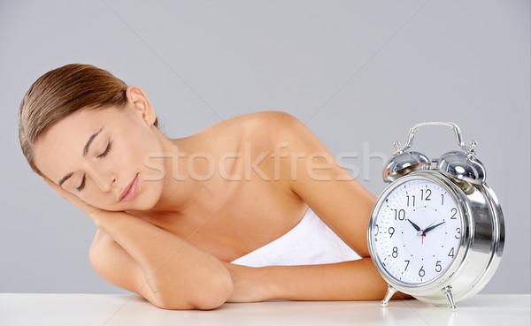 Femme dormir réveil belle jeune femme classique Photo stock © dash