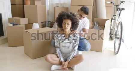 Fiatal pér elvesz törik költözés ül padló Stock fotó © dash