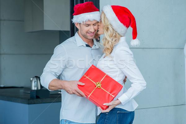 ストックフォト: 女性 · キス · 夫 · クリスマス · 日