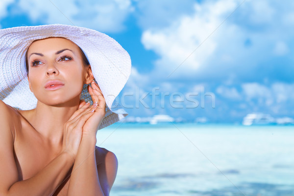 Vrouw Maldiven mooie vrouw water hemel Stockfoto © dash