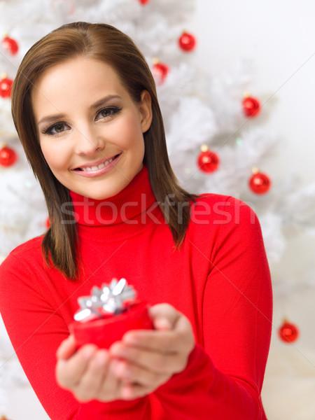 Noel güzellik güzel bir kadın noel ağacı kırmızı Stok fotoğraf © dash