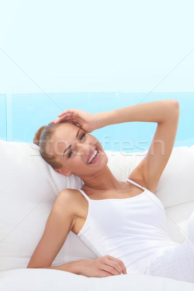 Animado riendo mujer hermosa primer plano atrás blanco Foto stock © dash